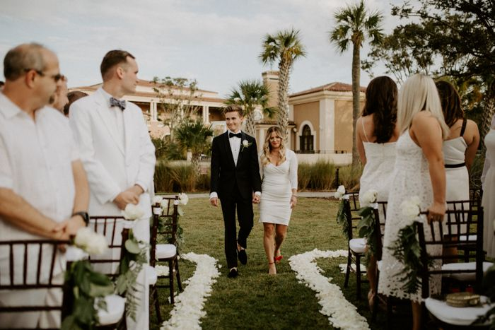 With No Bride These Stylish Grooms Invited Their Guests To Wear White To Their Four Seasons Resort Orlando Wedding Junebug Weddings Wedding Inspiration Summer Spring Wedding Inspiration Outdoor Wedding
