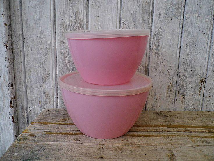 Vintage Schalen - 2 rosa Schüsseln 60er Plastik - ein Designerstück von Gerne_wieder bei DaWanda
