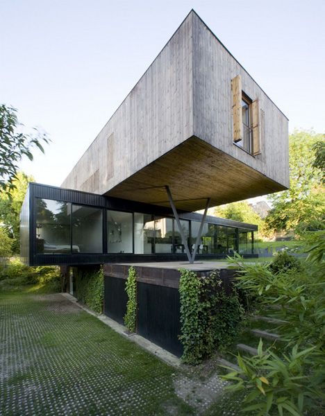 Cantilevered Creation by Colboc Franzen for a semi-rural plot in France