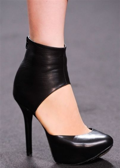 SHOE TRENDS 2014 | ... fall winter 2013-2014 - Image: Byblos-heeled-shoes-fall-winter-2014