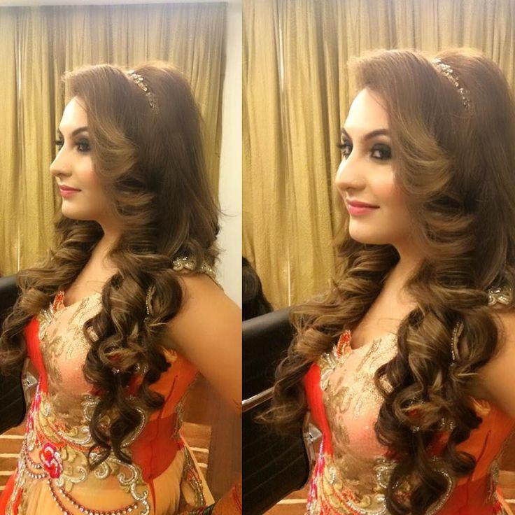 stunning bride on her engagement #makeupby @makeupbyvishalk #hairby @ritikahairstylist #hairstyle#wedding#engagment#wedmegood#weddingsutra#bridalaffairind#indianbrides#indearweddings#bridebook#bridestory#instagramers#hairpost#curls#ilovemyjob#likesforlikes#follow4follow#bridestory#bridalmakeup#bridalseason2016 by ritikahairstylist