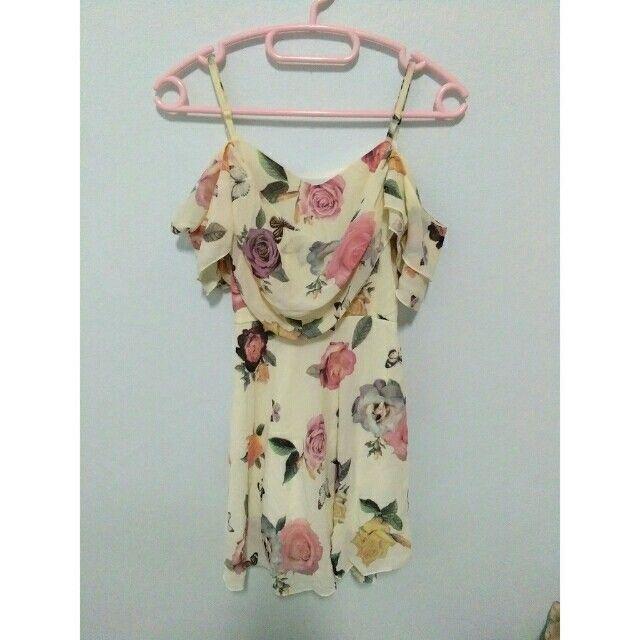 ลองเข้ามาดูสินค้า เดรส ลายผีเสื้อกับดอกไม้ ผ้าพริ้ว สวยมาก ขายในราคา ฿220 ซื้อได้ในแอพ Shopee ตอนนี้เลย! http://shopee.co.th/spimapae/174547420  #ShopeeTH