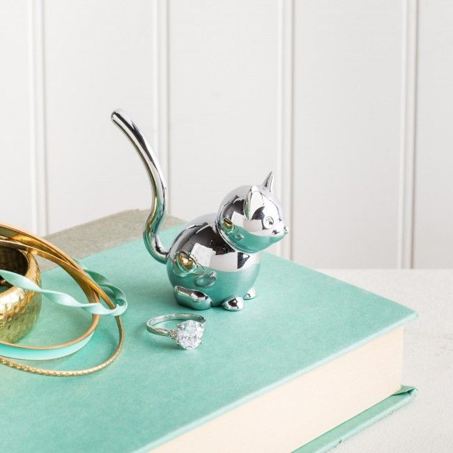 Keep your jewelry organized and easy to see with the Umbra Zoola Cat Ring Holder.