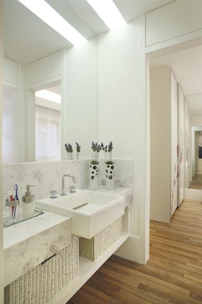Fronte alto, espelho até o teto, sanca  Banheiro  Pinterest -> Banheiro Pequeno Com Espelho Ate O Teto