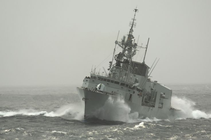Her Majesty's Canadian Ship (HMCS) Calgary while at sea off the coast of California October 25, 2007.