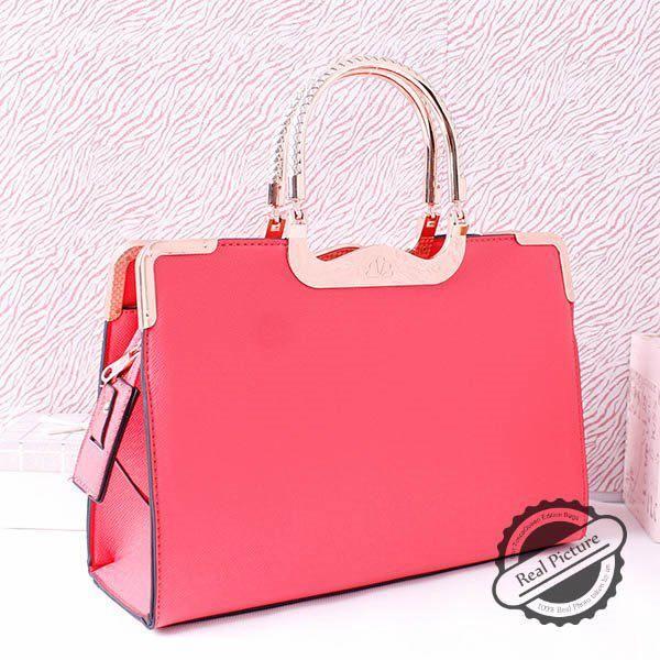 Tas Import Brand Tosca Queen (TQ) AS20828# Rose Tinggi: 25cm Lebar: 35cm Tebal: 11cm Cara Buka Resleting Tali panjang Ada Bahan PU Leather Syntethic