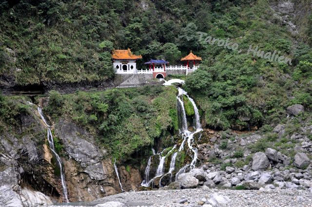 Day 5 - Eternal Spring Shine Spring Shine is a landmark and a memorial shrine complex in Taroko #AviaPromo #Wista #JalanJalan more info please call 021-4223838