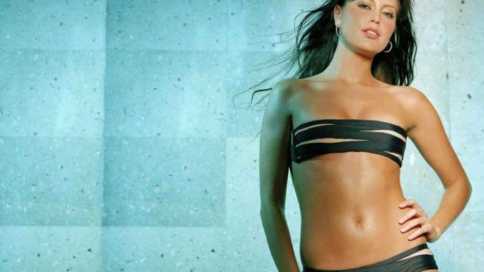 Holly-Valance-photos-Bio-Net-worth-Height-Boyfriend-Body-Affair-Married-Ethnicity