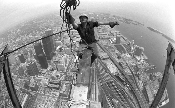 #TBT Toronto Construction remember when the CN Tower was being built? 1976. Now that was a high roof! #TBT #ALINETO #RoofRepair