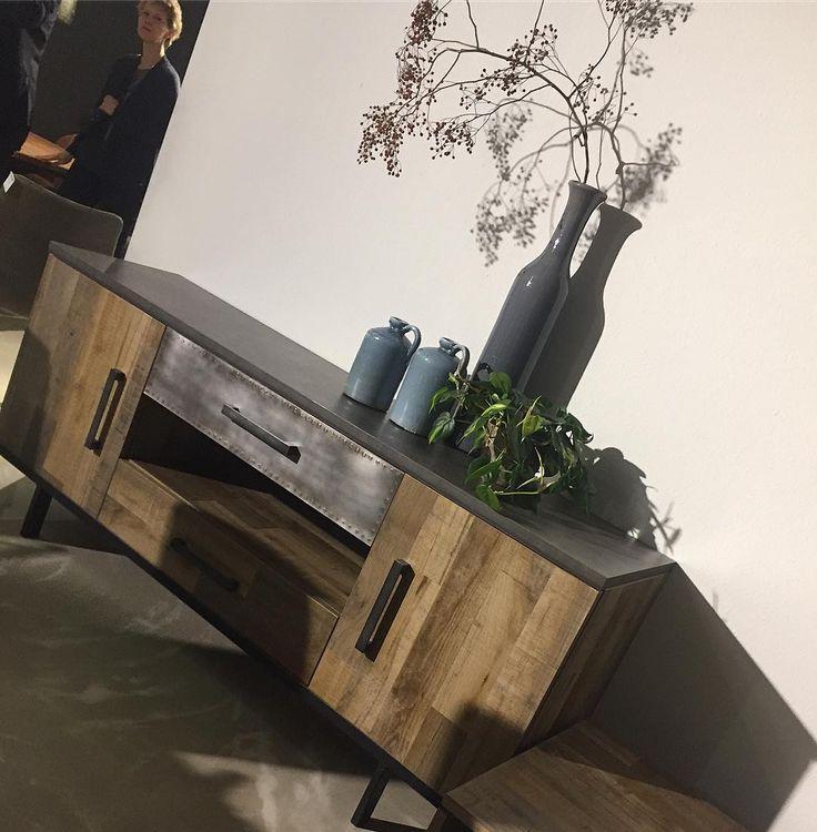 • D R E S S O I R • industrieel woonkamer element. #meubelen#zaandam#amsterdam#alkmaar#nederland#home#wonen#landelijk#barok#brocant#riverdale#interiordesign#inspiratie#whitewash#banken#stoelen#tafels#kasten#hoogglans#kruispoot#spiegel#bedden#kloostertafel#laminaat#eetbanken#interiorstyling#design#homedesign#industrieelwonen #industrialdesign http://www.butimag.com/kloostertafel/post/1460960607788635003_1384089820/?code=BRGX-6qFJN7