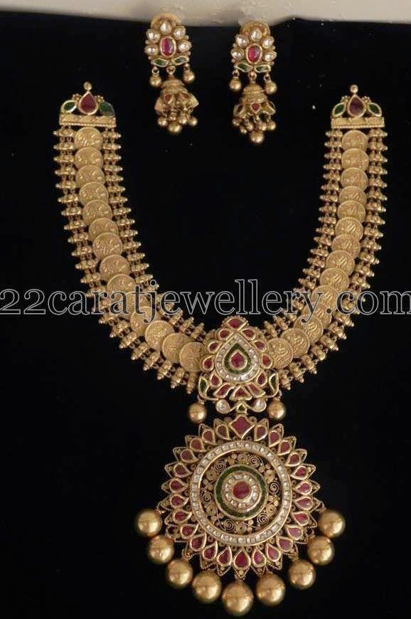 Jewellery Designs: Kundan Set with Jhumkas 130gms