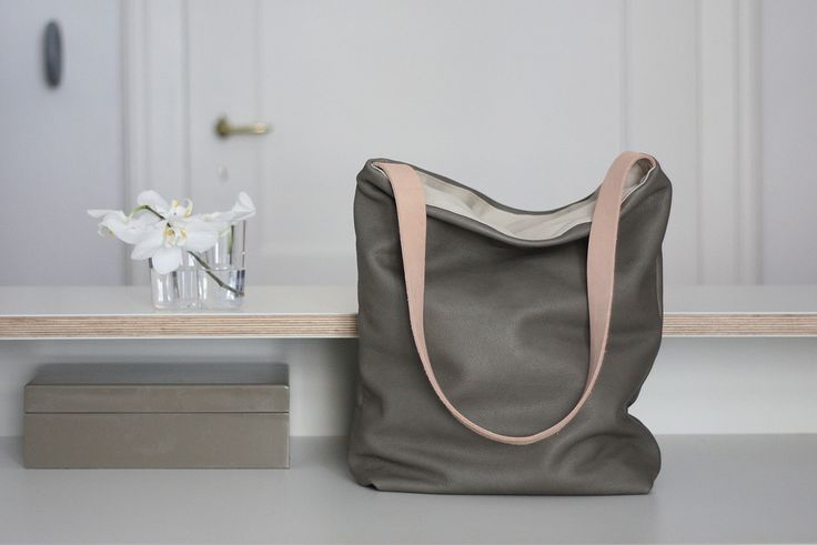 Kathrin Heubeck leather bags http://mindsparklemag.com/design/kathrin-heubeck-leather-bags/