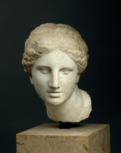 Tête féminine : tête de l'Aphrodite de Cnide, dite Tête Kaufmann 1ère 1/2 du 2e siècle av J.C.