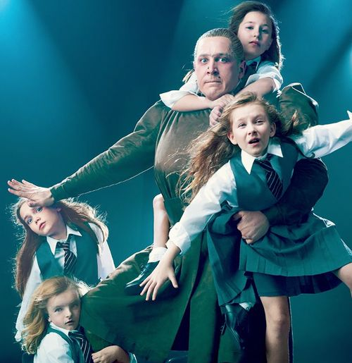 Bertie Carvel, Bailey Ryon, Sophia Gennusa, Milly Shapiro and Oona Laurence in a promotional photo for Matilda (2013).