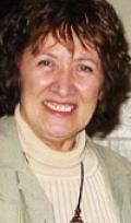 Diplômée de l'École nationale en scénographie, Nicole Filiatrault a œuvré pour plusieurs théâtres à Montréal, pour le Festival de Straford en Ontario, le Banff School of Fine Arts en Alberta et, en Suisse, entre autres pour le Théâtre populaire romand. De retour au Québec après avoir obtenu une maîtrise en art dramatique, elle a fondé Les Productions Moult Scéniques, pour ensuite travailler à la mise en scène et à l'écriture. Depuis une décennie, elle se consacre exclusivement au conte.