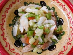 El bacalao seco en pipirrana es uno de los platos típicos de Manilva, municipio malagueño situado en la Costa del Sol justo al lado de ...