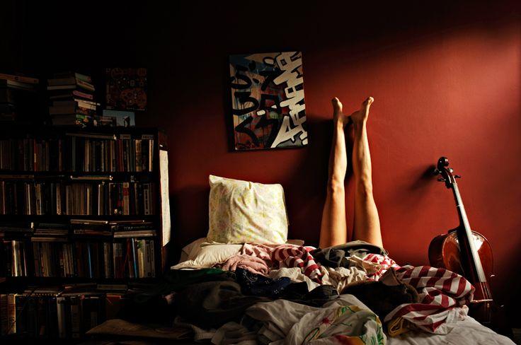 [ROSSO] Come scegliere il colore della stanza da letto in base all'umore => http://blog.gromia.it/come-scegliere-il-colore-della-stanza-da-letto-in-base-allumore/