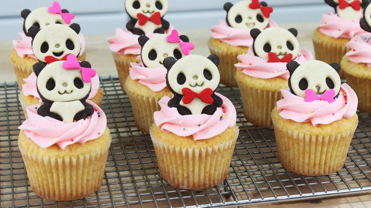 Tokyo Otaku Mode: http://otakumode.com/fb/32o Hey guys! These Panda Cupcakes are so fun to make, and would be a great treat for any kawaii-lover! Enjoy, and ...
