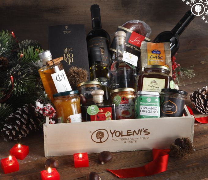 Looking for an original gift for Christmas? Give a basket full of authentic flavours from various regions of Greece as a present! #xmasgift #xmas #yolenisbasket