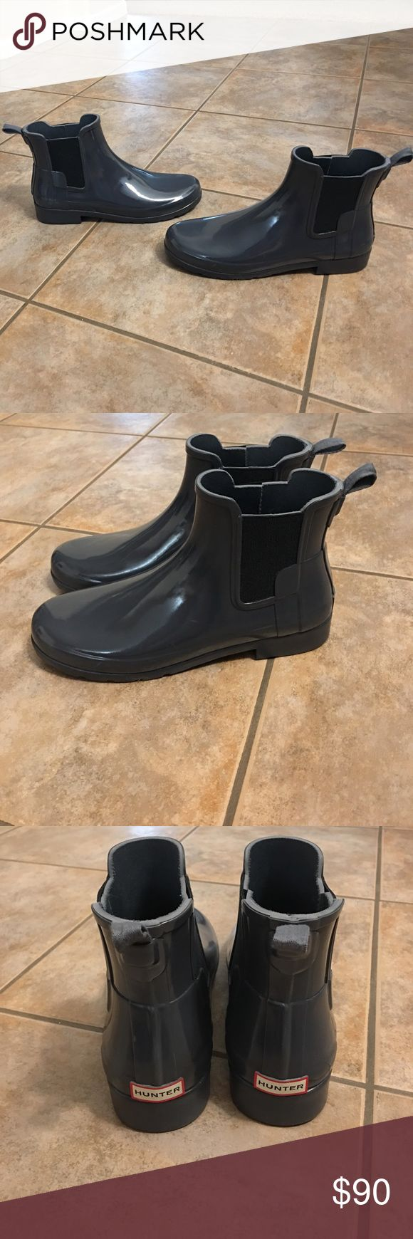 Hunter Refined Chelsea Boot Wellies Shoes sz 9 No Trades, No Box, Freshly Cleaned and gently used, shows little wear on bottom soles Hunter Shoes Ankle Boots & Booties