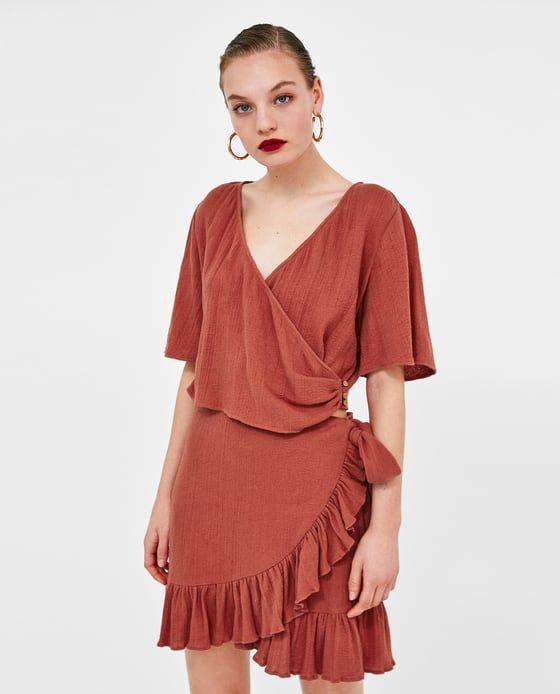 Blusa color nude cruzada zara