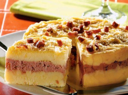 Bolo de Batata: Sea Horse Cake, Espetacular Bolo, Was Rosa-Choqa, Stuffed Potato, Bolo De Batata, De Bolo, Batata Recheado, Salt Recipes, Cake Recipes