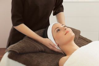 Facial, Scalp Massage and Manicure - 105 Minutes, NSW, VIC & QLD | RedBalloon
