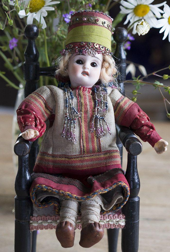 Редкая куколка русском в оригинальном костюме из Бартрамовских мастерских