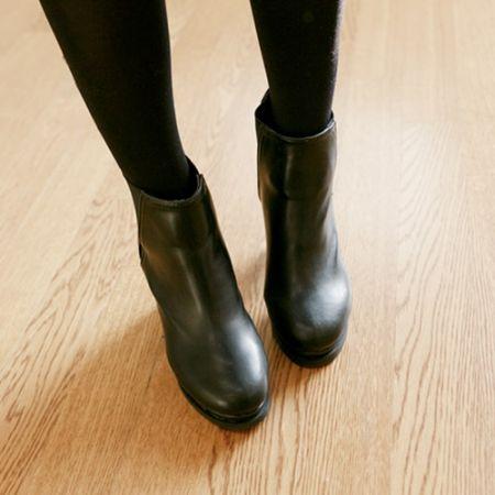Womens Clothing Store [VANILLAMINT] Russell Walker hill / Size : 225-245 / Price : 61.04 USD #dailyllook #dailyfashion #fashionitem #shoes #walkerhill #ankleboots #ootd #vanillamint http://en.vanillamint.net/