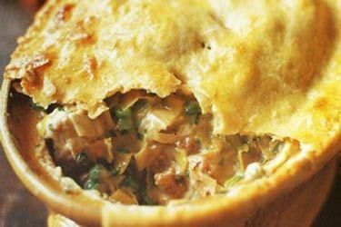 Chicken, leek and tarragon pot pie