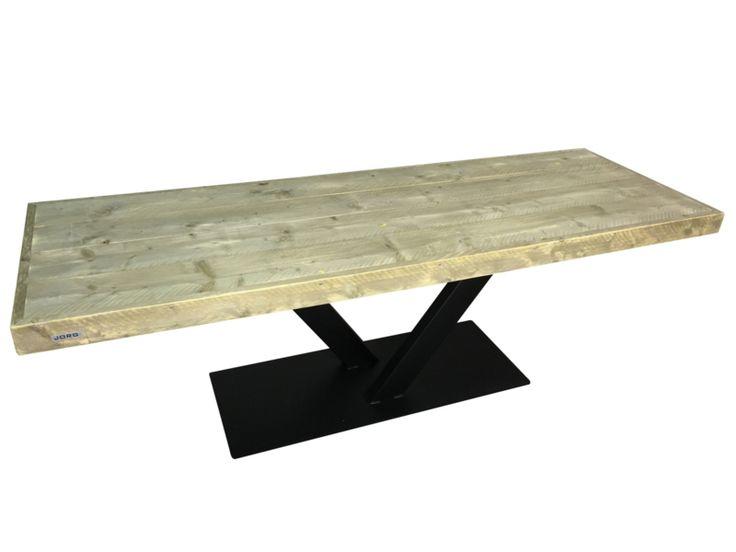 Industriële tafel met een oude steigerplanken blad en stalen V onderstel smal (EOMH)