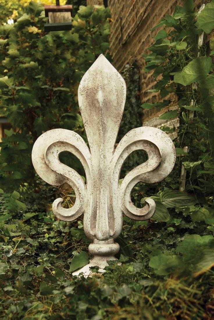 Fleur Delacour Statue