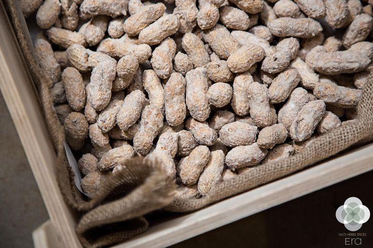 Προμηθευτείτε από ξηρούς καρπούς και βότανα μέχρι αποξηραμένα φρούτα και σοκολάτες εύκολα και γρήγορα από το ηλεκτρονικό μας κατάστημα www.eranuts.com #EraLovers