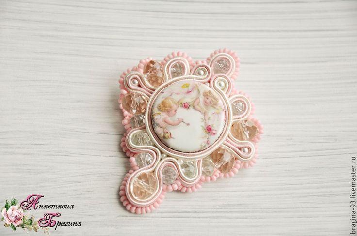 """Купить Брошь """"Мысли Амура"""" - бледно-розовый, брошь ручной работы, брошь, подарок женщине"""