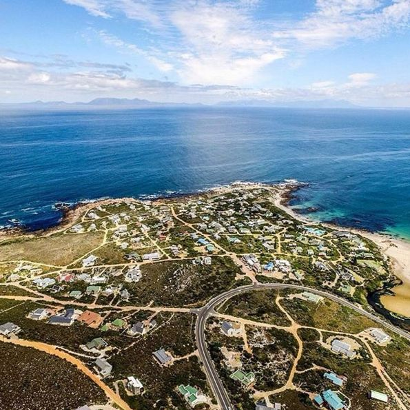 "Check out more sweet pics like these, who made them, and the stories behind them:   instagram.com/capetownmag. Are you on Instagram? Tag one of your great pics with#CapeTownMag and we might just feature your image. The picture of the week for the winning #capetownmag feature! ""Rooi Els is beautiful from above!""  Featuring @lukemaximobell ."