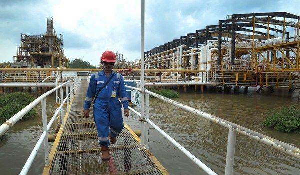 PT Total E&P Indonesie akan fokus dalam transisi Blok Mahakam, Kalimantan Timur, di tahun ini. Namun, belum ada pembicaraan mendalam terkait hak kelola atau participating interest usai berakhir...