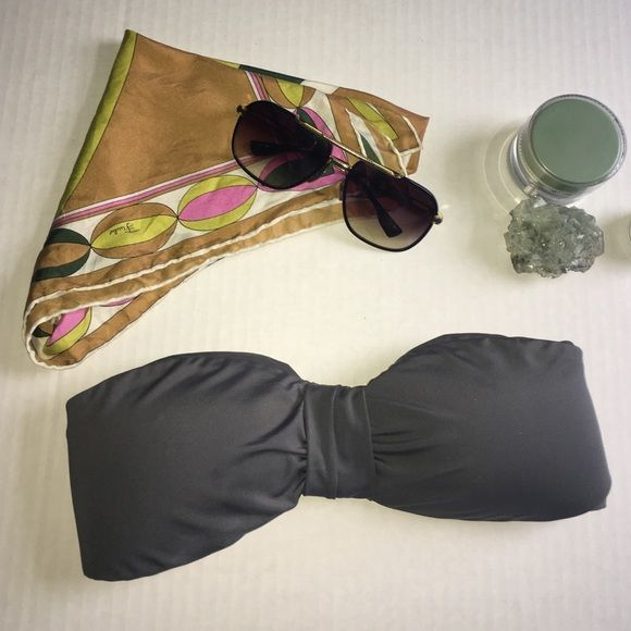 Grey bandeau top Grey swim bandeau• size M• padded. Super cute and chic for a vacation!!!! Swim Bikinis