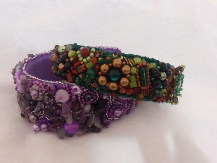 Tiares handmade bead embroyderi