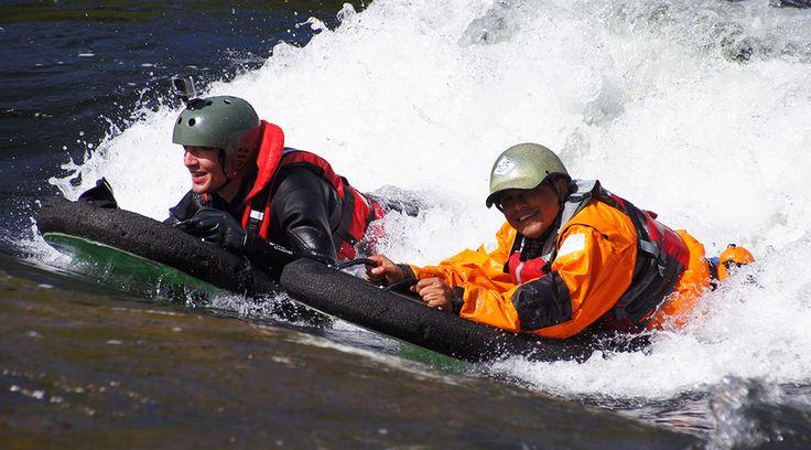 Prøv elvebrett (riverboard) i Nord Europas mest tekniske raftingelv! En vill, våt og morsom opplevelse du sent vil glemme!