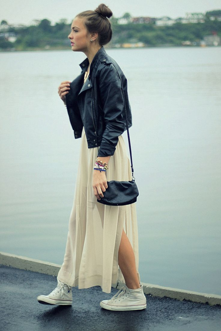 Converse shoes with maxi skirt. Relaxed style.