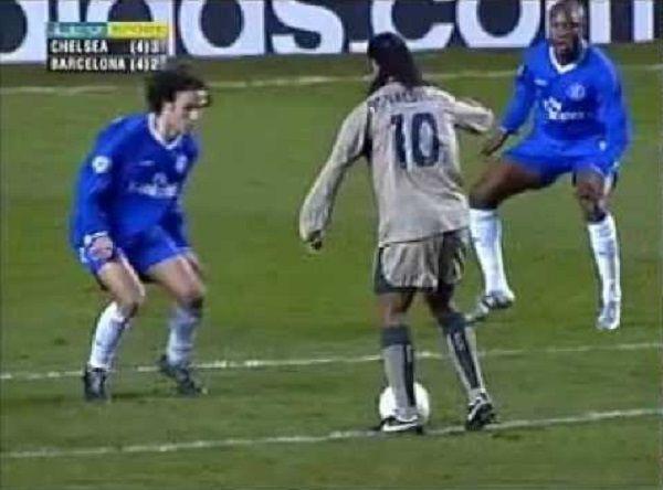 Przepiękna bramka Brazylijczyka w Lidze Mistrzów • Niesamowity gol Ronaldinho Gaucho w meczu z Chelsea • Wejdź i zobacz filmik >> #ronaldinho #football #soccer #sports #pilkanozna