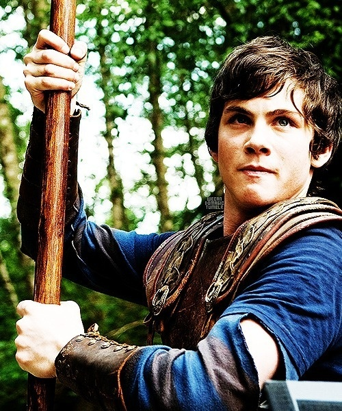 Logan Lerman in Percy Jackson, i looove him