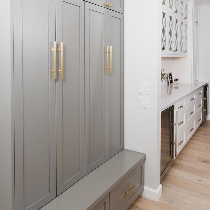 Gorgeous color on these mudroom cabinets! Benjamin Moore ...