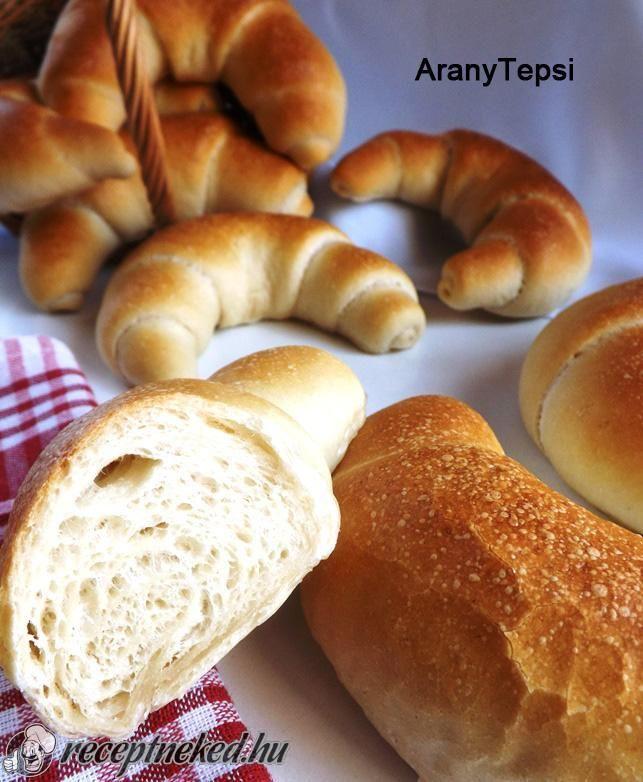 A legjobb Békebeli kifli recept fotóval egyenesen a Receptneked.hu gyűjteményéből. Küldte: aranytepsi
