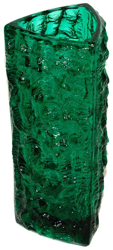 Vases : 1506 'Moravia' Triangular vase