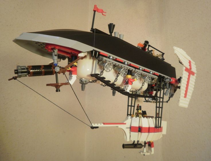 An inverted military airship design. Be careful, gents! | 23 Fantastical Steampunk LEGO Builds Designed From Scratch