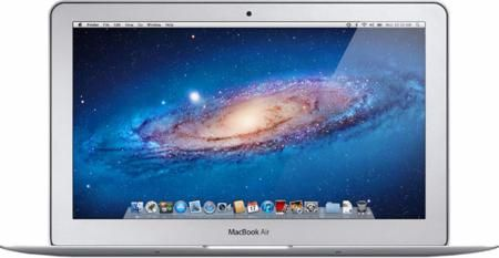 """Ноутбук Apple MacBook Air 11"""" (MJVP2RU/A)  — 76990 руб. —  Процессор:Intel® Core™ i5 Частота (МГц):1600 Количество ядер:2 Оперативная память (Мб):4096 Диагональ дисплея (дюйм):11.6 Разрешение дисплея:1366x768 Видеокарта:Intel® HD Graphics 6000 Количество USB-портов:2 Время работы (ч):9 ОС:Mac OS X Yosemit"""