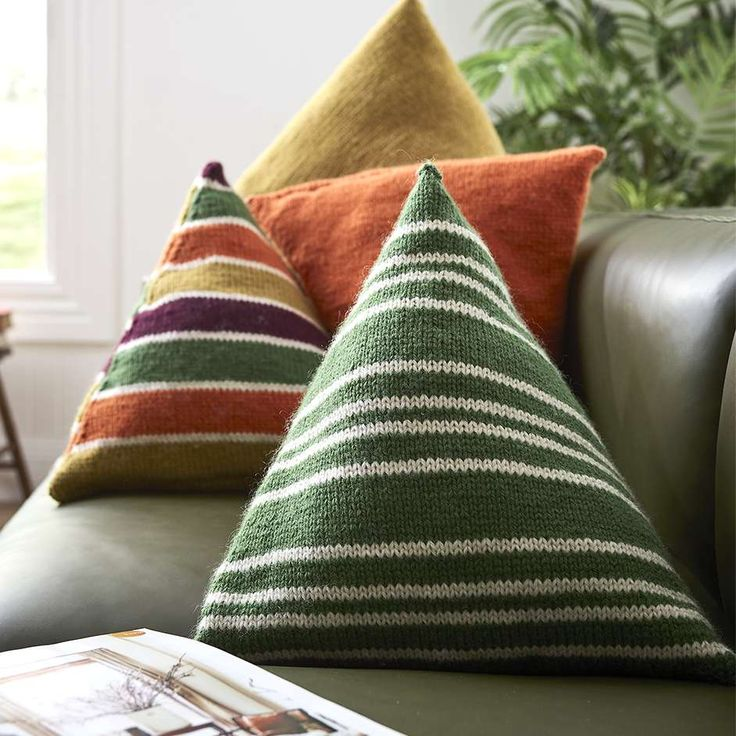 Free Knitting Pattern For October Leaf Motif Cushion - This