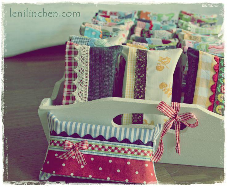 auch Taschentücher brauchen ein Kleidchen :)