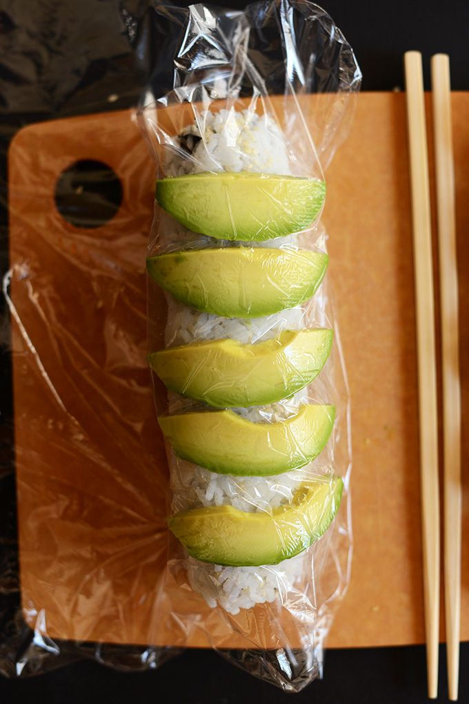 How to Make an Inside Out Sushi Roll | minimalistbaker.com